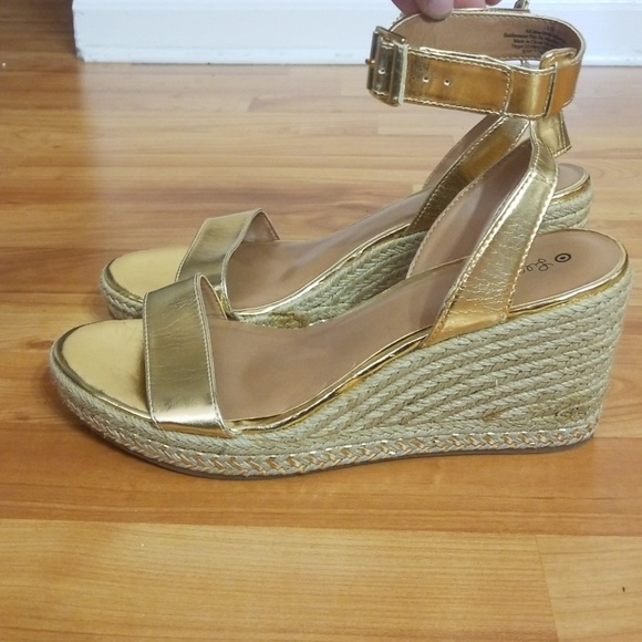 021524ba8a8 Lily Pulitzer Shoes - Lily Pulitzer for Target Gold Wedge Heels Size 10